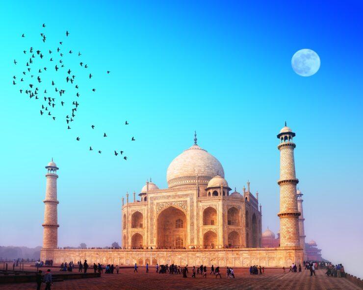 טיול בהודו, מסע בזמן